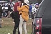 obamova se poljublja