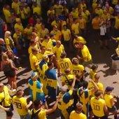 Švedski in korejski navijači na SP