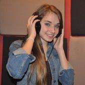 Tudi - takrat 16-letno Aljo Krušič, je slovenska publika spoznala preko Slovenija ima talent. Pesem pevke Beyonce One Night Only pa jo je pripeljala do zmage.