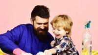 Oče in sin čistita