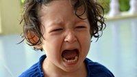Otrok kriči, joka