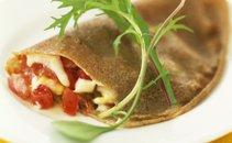 Ajdove palačinke s tuno, mocarelo in paradižnikom