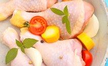 Piščančje krače in paradižniki