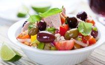 Mediteranska riževa solata s tuno