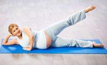 Nosečnica telovadi