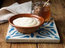 Grški jogurt in med