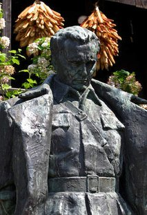 Titov spomenik v Kumrovcu