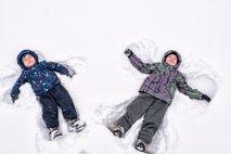 Otrok in igre v snegu