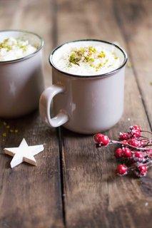 Medeni matcha latte