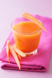 Korenčkov sok z ingverjem