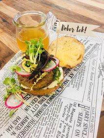 Speglan nedeljski sendvič z govejo župco
