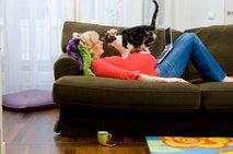 Nosečnica in mačka