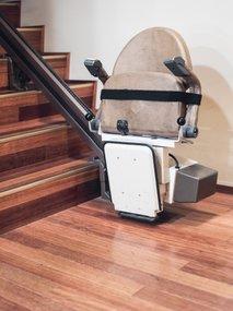 stopniščni stol