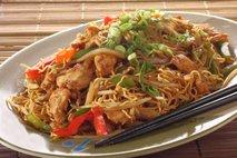 Kitajska zelenjava s piščančjim mesom