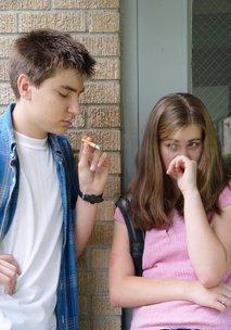 Najstnik in kajenje