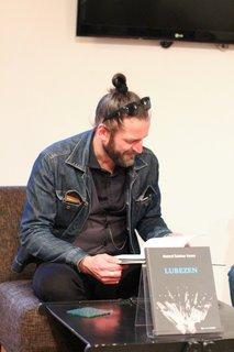 Hamo predstavil pesniško zbirko Lubezen