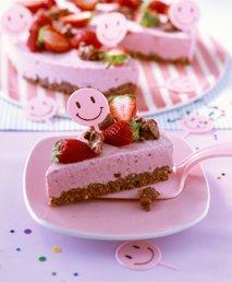 Torta z jagodnim sladoledom