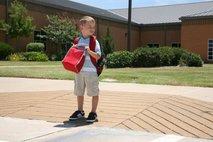 Otrok in prehod za pešce