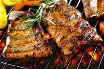 Začinjeno svinjsko meso na žaru