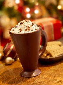 Čokoladna kava z višnjami