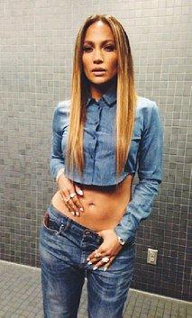 Izklesan trebuh Jennifer Lopez - 3