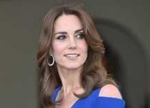 Kate Middleton v modri obleki - 2