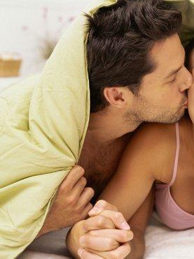 partnerja v postelji