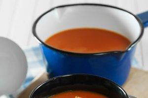 Paradižnikova juha s krutoni