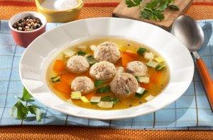 Jetrni cmoki v juhi