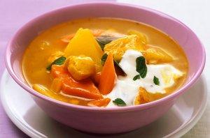 Piščančji curry s sladkim krompirjem