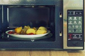Segrevanje hrane v mikrovalovni pečici