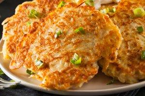 Krompirjeve polpete z mlado čebulico