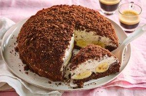 Čokoladna torta s smetano in bananami