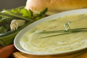 Spomladanska porova juha