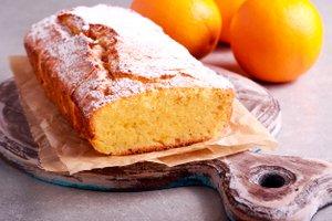 Brezglutenski pomarančni kolač