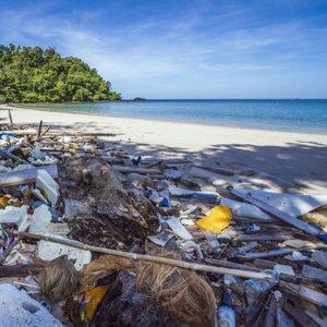 Plastika v oceanu