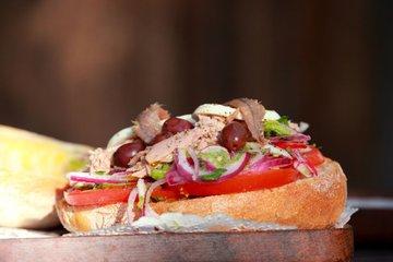 Tunin sendvič - pan bagnat
