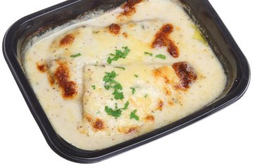 Pečena riba s sirovo omako