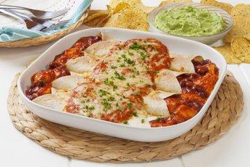 Enchilada s piščancem in fižolom
