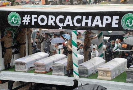 Spominska slovesnost za nogometaše Chapecoense - 4