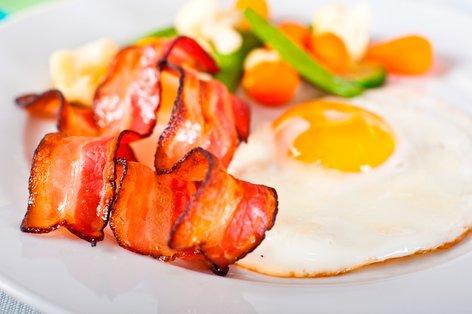 Jajca s slanino