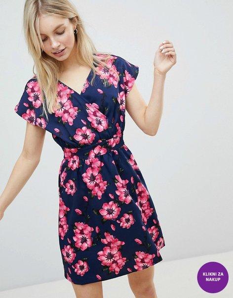 Obleke za pomlad 2018