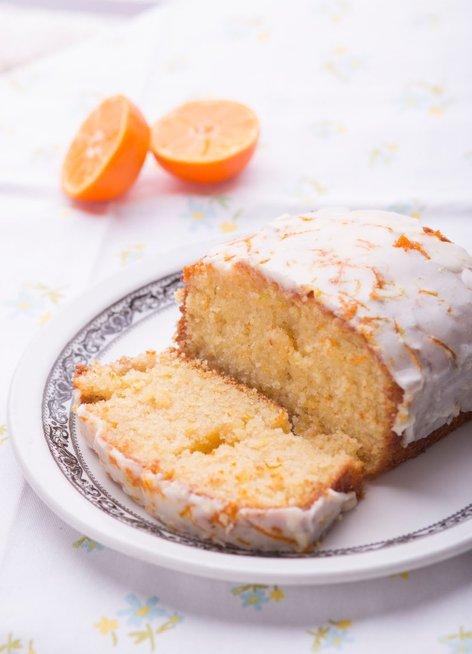 Limonin kolač s pomarančnim oblivom