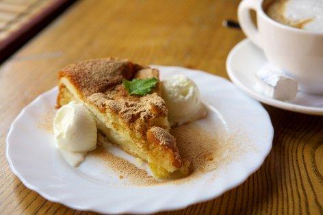 Hiter jabolčni kolač