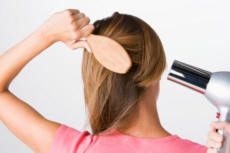 navade, ki škodijo lasem
