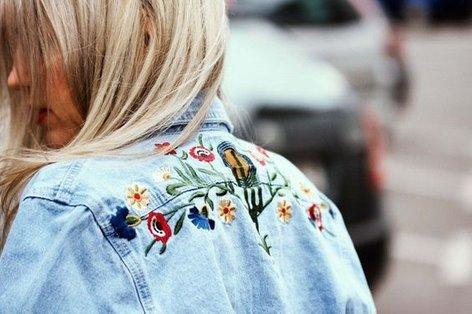 Cvetične vezenine na oblačilih - 4