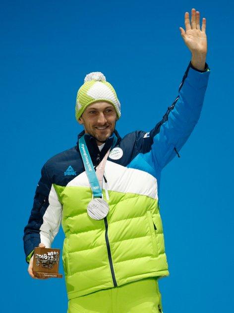 Jakov Fak prejel srebrno olimpijsko medaljo