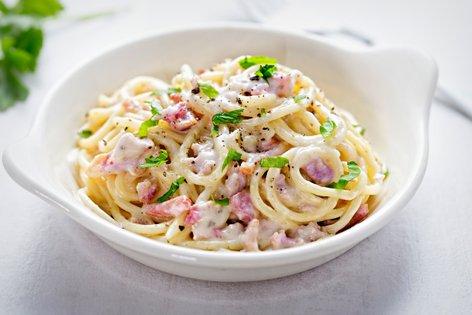 Špageti carbonara s smetano