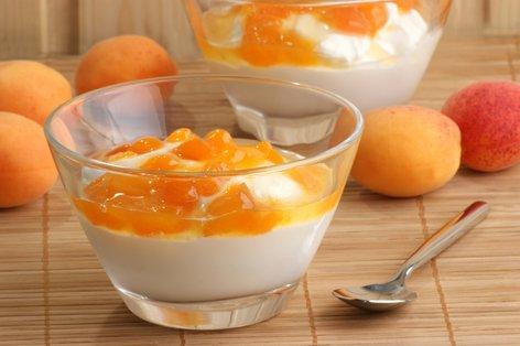 Jogurt z mareličnim kompotom
