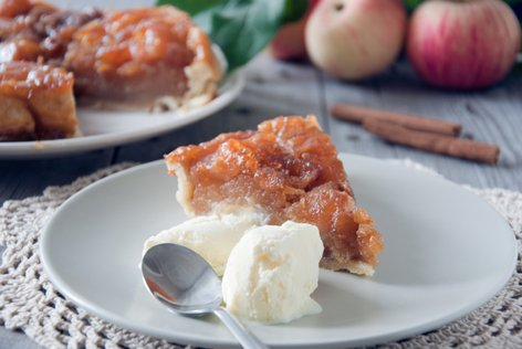 Jabolčna pita s sladoledom